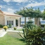 villa pool 580
